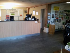 Business cleaning reception